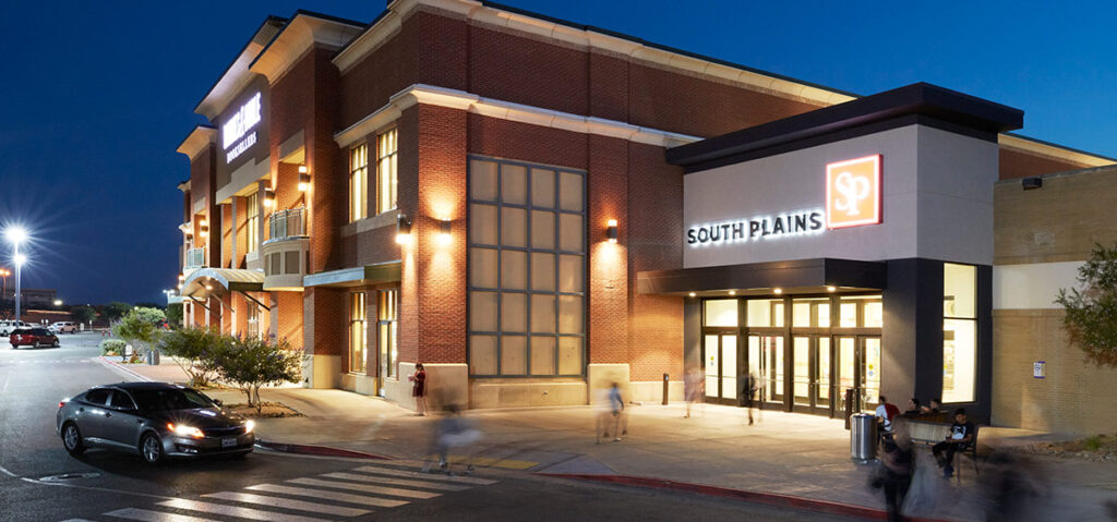 Entrance of South Plains Mall. Sign that says South Plains Mall and a Barns and Noble next to it.